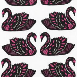Lieveheersbeestjes op roze